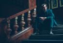 Virtuózní britský písničkář Justin Lavash pokřtí nové album Changing of Tides